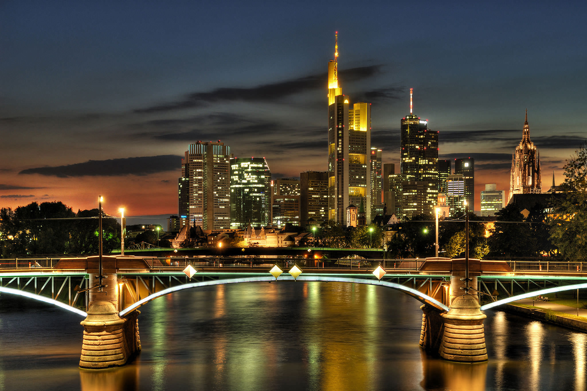 Frankfurt, Germany: Winter In The City... Only Sights ... |Frankfurt Germany